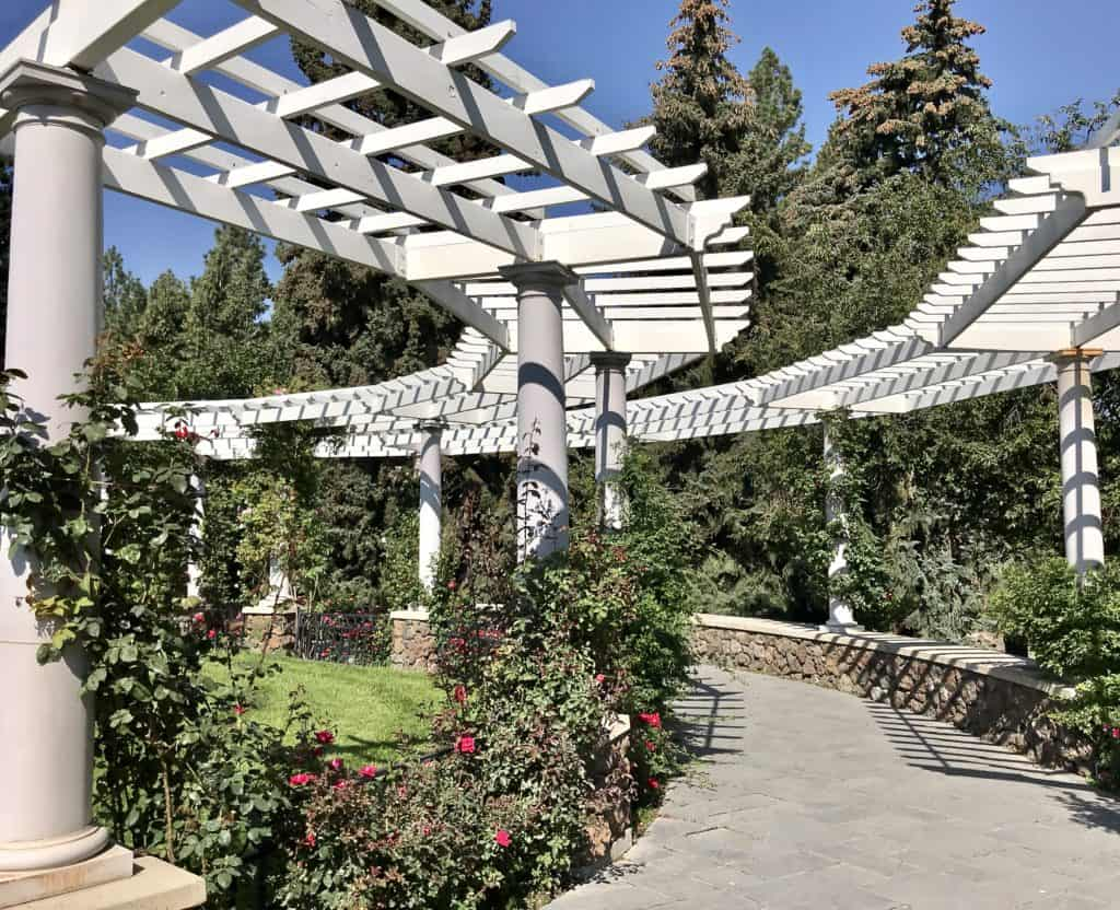 image rose garden gazebo manito