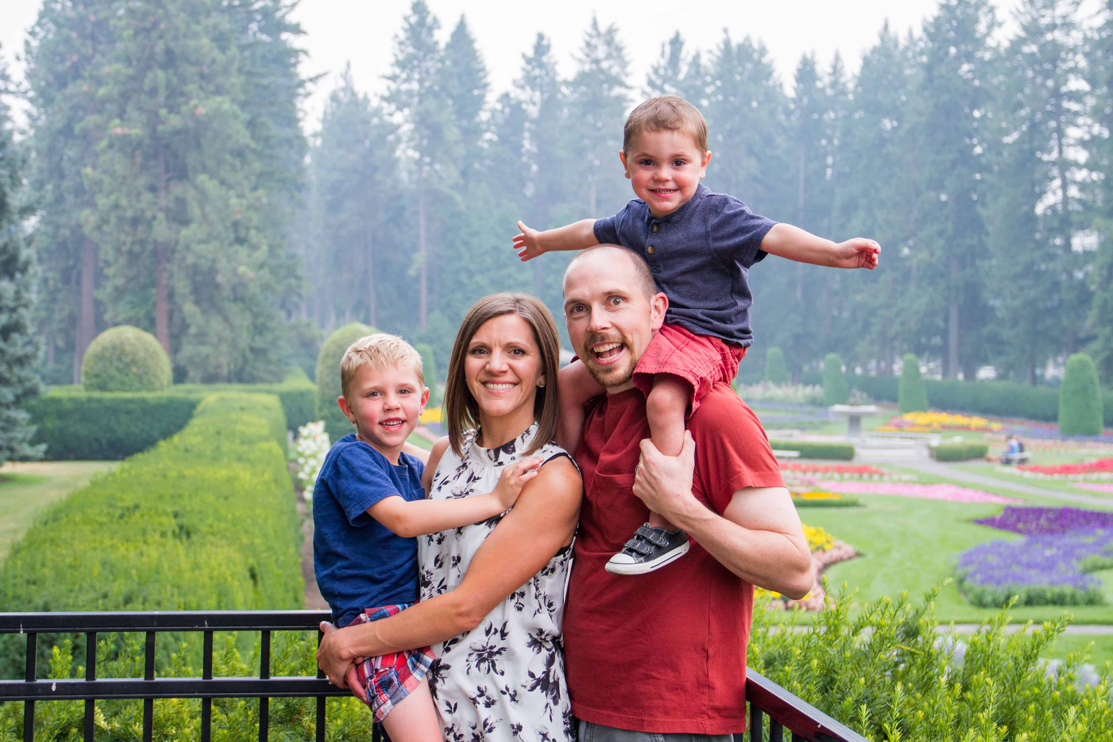 Cheree Sauer and her adorable family!