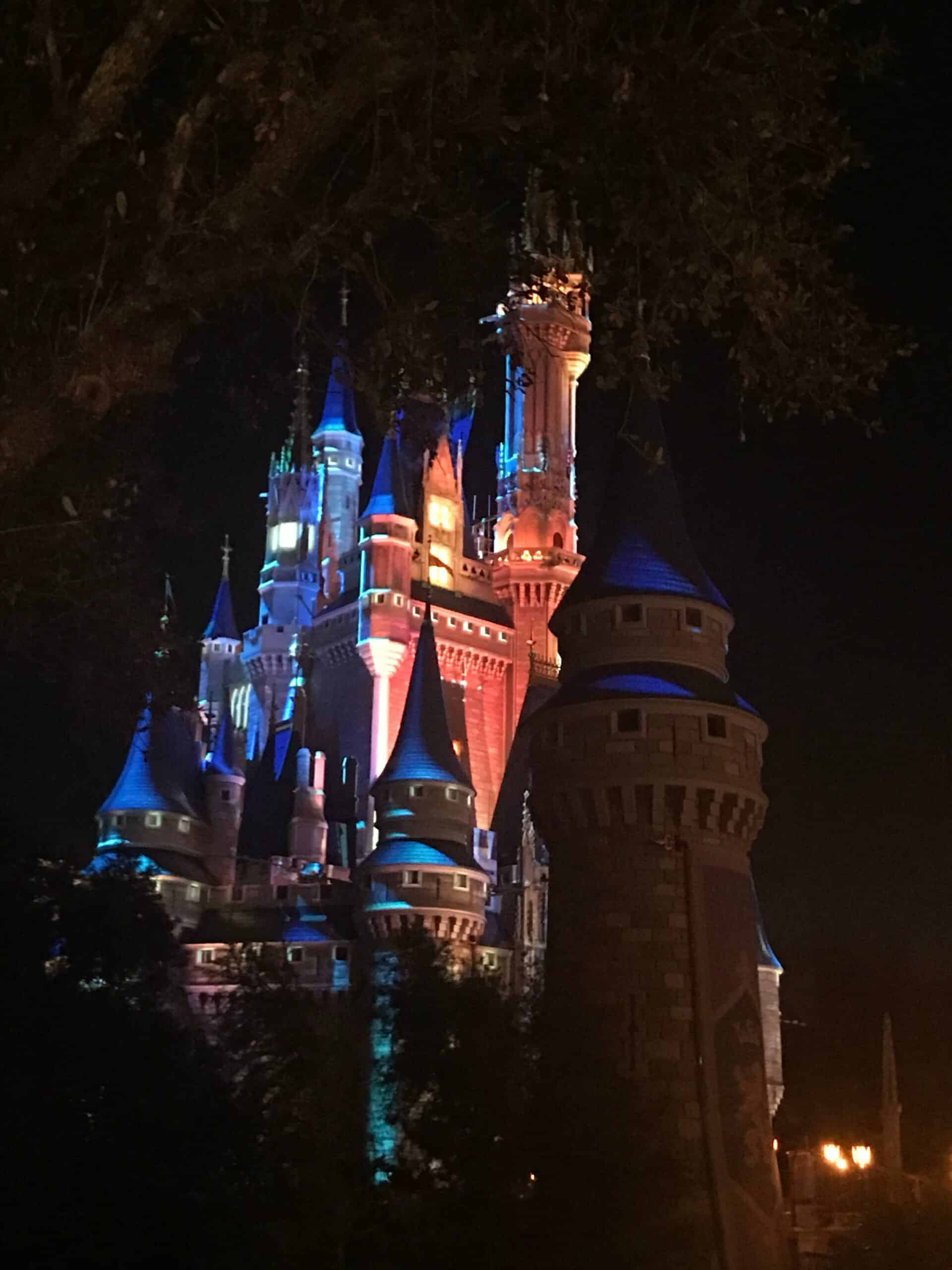 uadventure travel Walt Disney World - Cinderella Castle