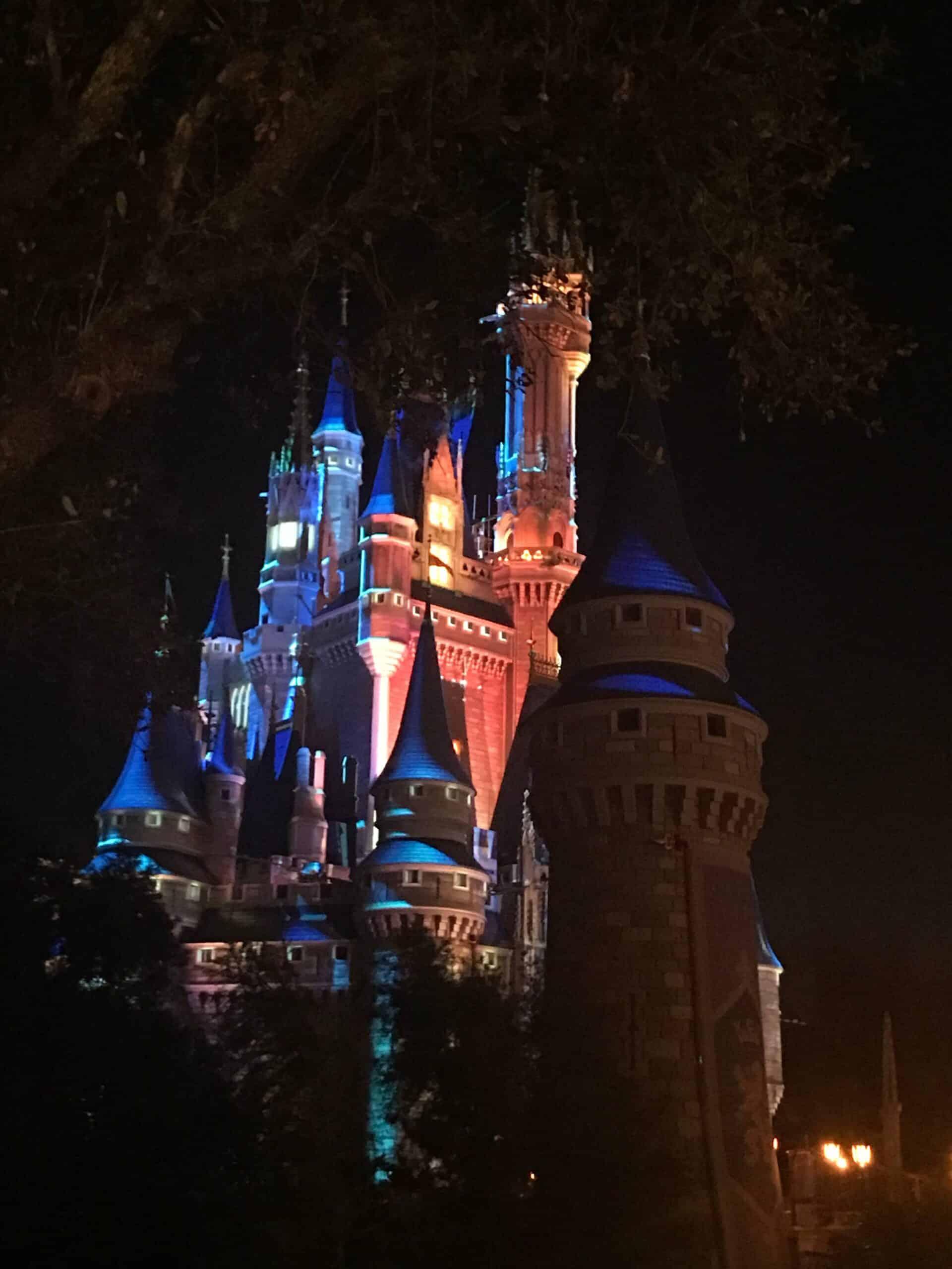 uadventure travel Walt Disney World - Cinderella Castle