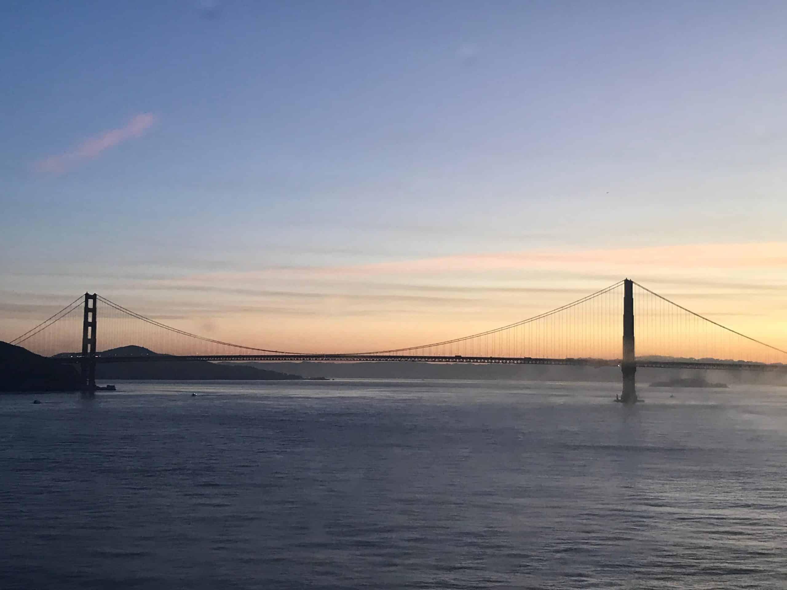 uadventure travel golden gate bridge at sunset